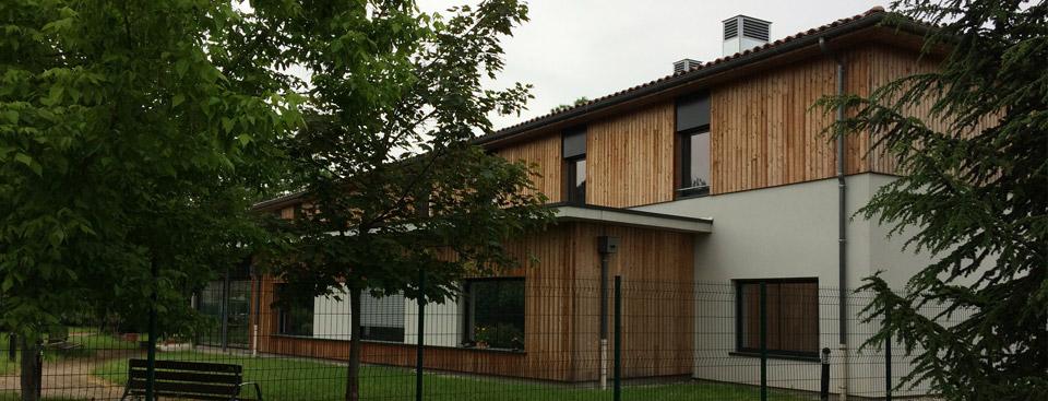Une maison de retraite ehpad en centre ville avec parc for Aide maison retraite